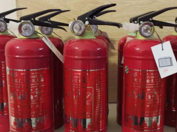 你知道消防器材的灭火原理是什么吗?